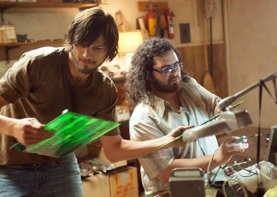 Ashton Kutcher y Josh Gad en jOBS Nuevas imágenes y declaraciones sobre la película jOBS