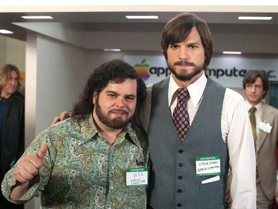 Kutcher como Jobs y Gad como Wozniak Nuevas imágenes y declaraciones sobre la película jOBS